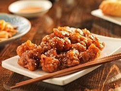 Хрупкави панирани пилешки хапки по китайски в пухкава панировка - снимка на рецептата